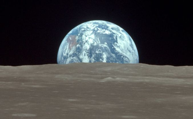 earthrise_crop